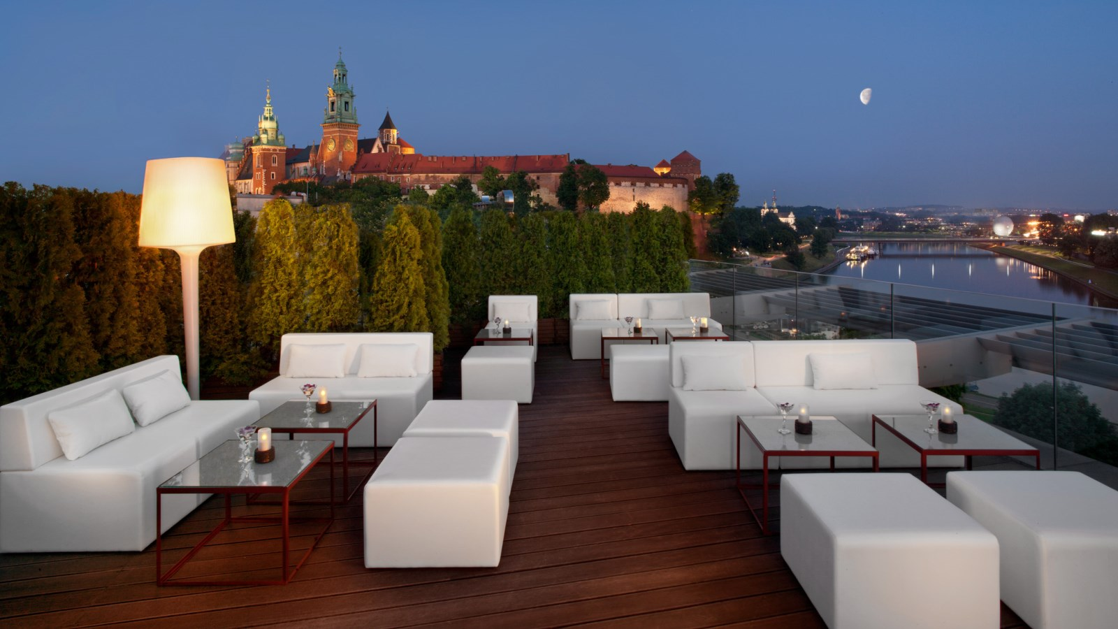 roof top terrace lounge bar sheraton grand krakow. Black Bedroom Furniture Sets. Home Design Ideas